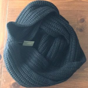JCrew Wool Blend Chunky Ribbed Infinity Scarf Blk